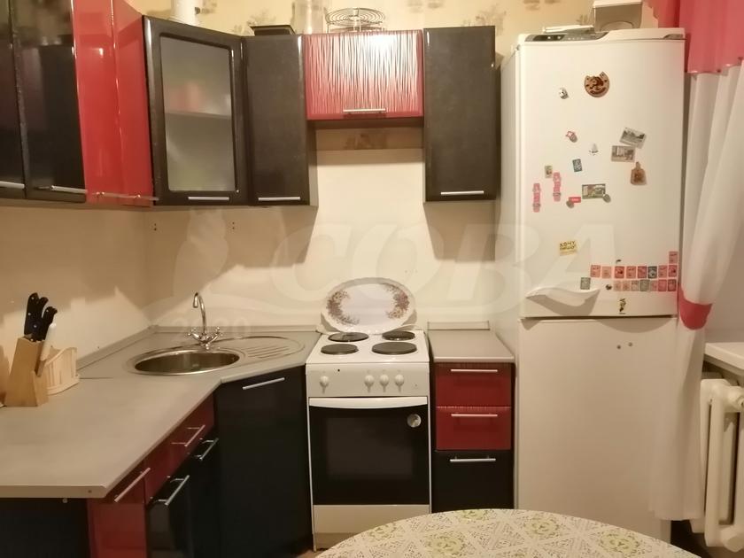 2 комнатная квартира  в районе Нагорный Тобольск, ул. 9-й микрорайон, 3А, г. Тобольск