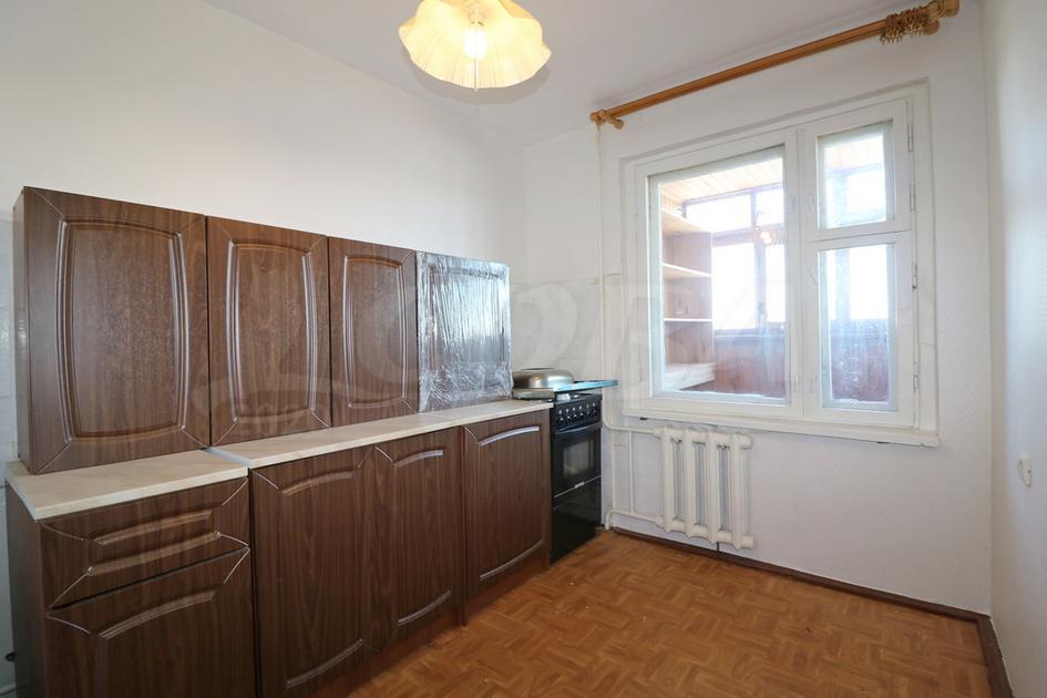 2 комнатная квартира  в Заречном 2 мкрн., ул. Газовиков, 17, г. Тюмень