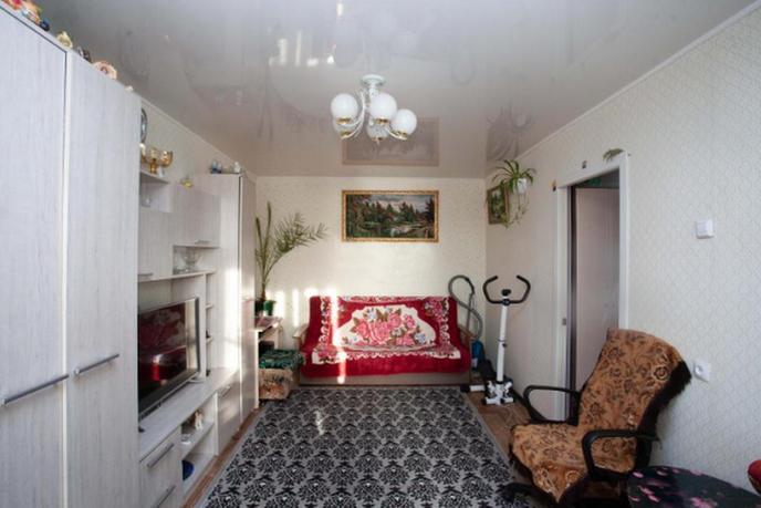2 комнатная квартира  в районе Нагорный Тобольск, ул. 6-й микрорайон, 18, г. Тобольск
