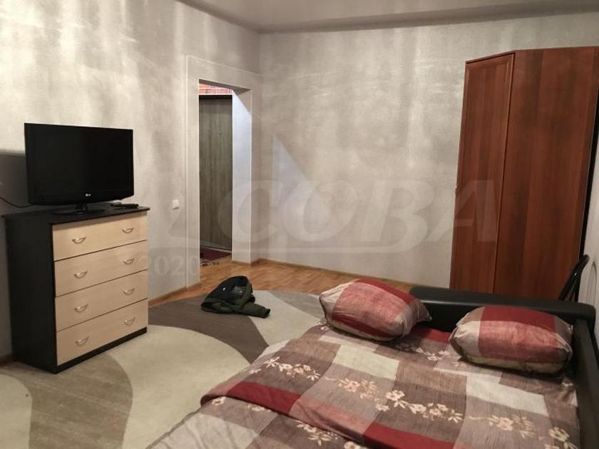 1 комн. квартира в аренду в районе ТРЦ Аура, ул. Александра Усольцева, г. Сургут