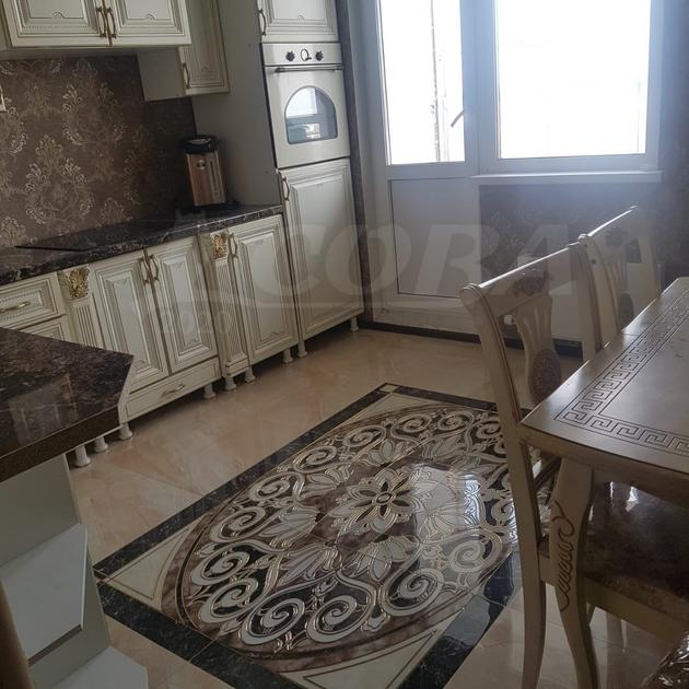 2 комн. квартира в аренду в районе ТРЦ Аура, ул. Александра Усольцева, г. Сургут
