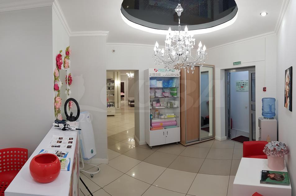 Салоны услуг в жилом доме, продажа, в районе ул.Елизарова, г. Тюмень