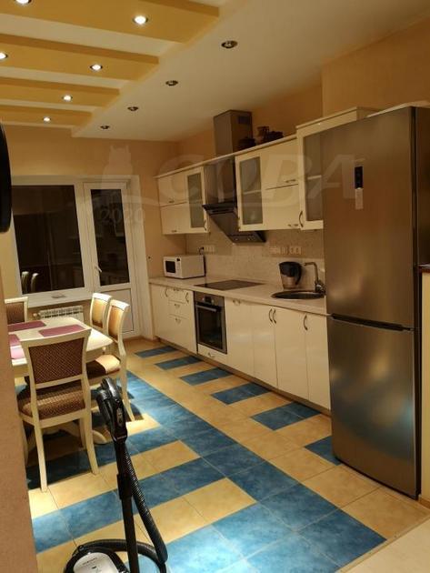 3 комн. квартира в аренду в районе 25-й микрорайон, ул. Югорская, г. Сургут