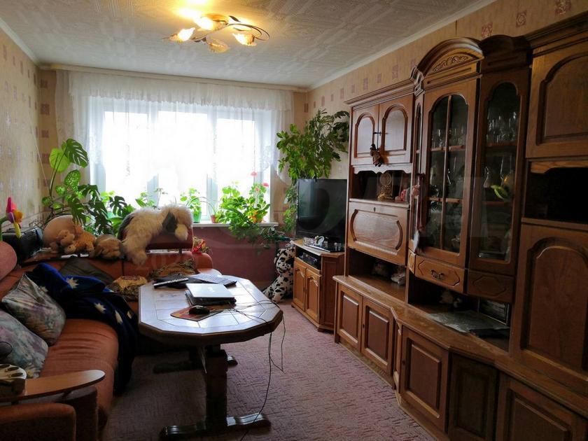 3 комнатная квартира  в 4 микрорайоне, ул. 30 лет победы, 62, г. Тюмень