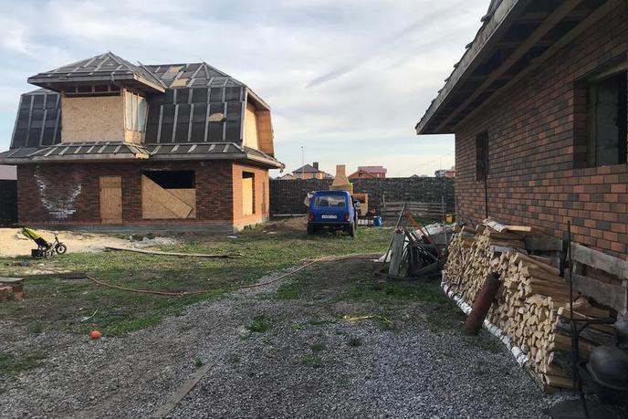 Недостроенный дом с баней, в районе КП Зеленые холмы, с. Кулаково, по Ирбитскому тракту, Коттеджный поселок «Зеленые холмы»