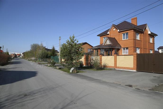 Коттедж с баней, в районе Центральная часть, д. Патрушева, по Червишевскому тракту