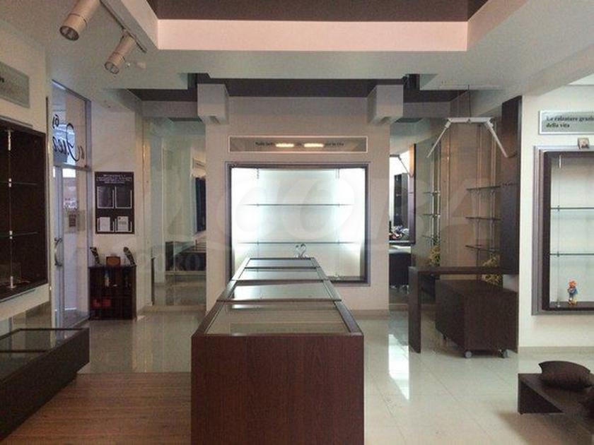 Нежилое помещение в бизнес-центре, продажа, в районе Дома печати, г. Тюмень