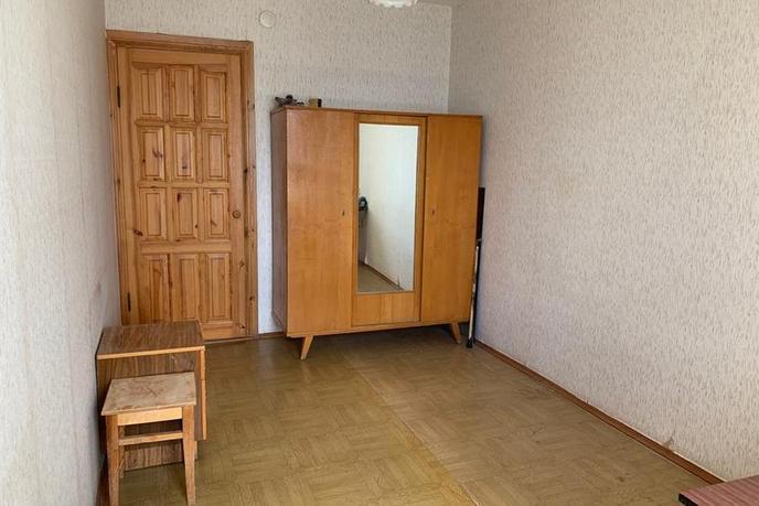 2 комнатная квартира  в Южном микрорайоне, ул. Федюнинского, 15, г. Тюмень