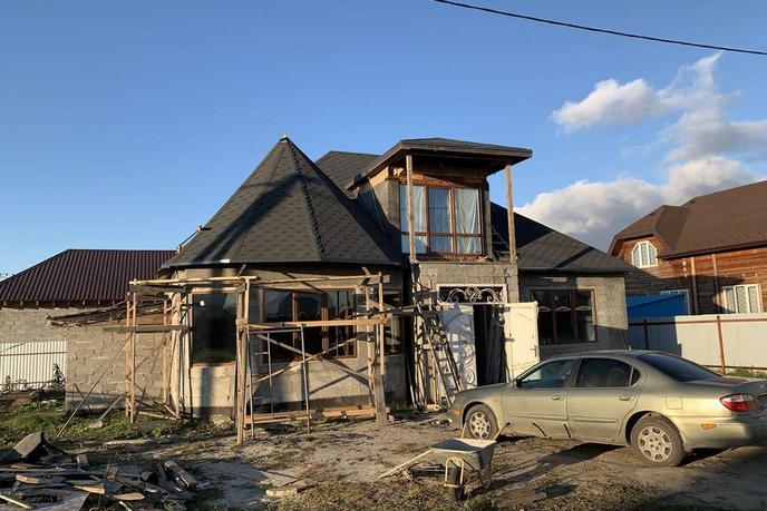 Недостроенный дом, д. Паренкина, в районе Старый тобольский