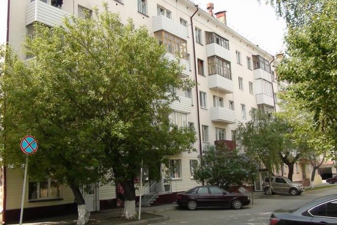 2 комнатная квартира  в деловом центре, ул. Урицкого, 44, г. Тюмень