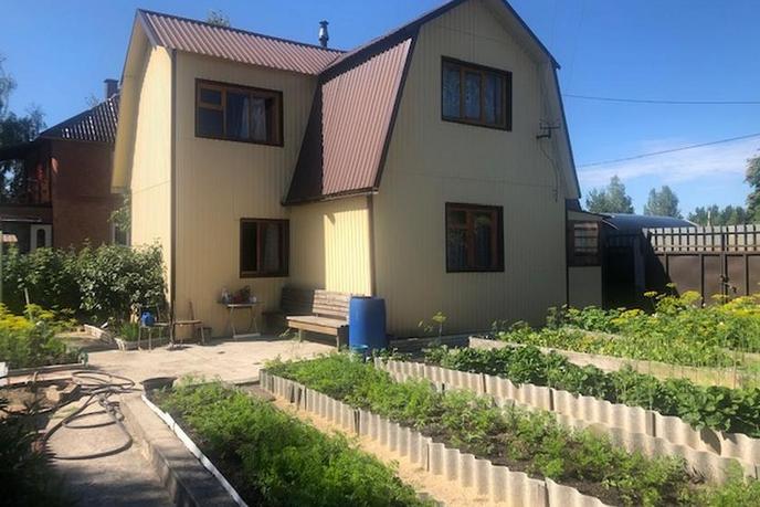 Дача с баней, с/о садоводческое некоммерческое товарищество Газовик, в районе за ЖД вокзалом