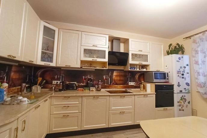 3 комнатная квартира  в районе Дом Обороны, ул. Бакинских Комиссаров, 3, Жилой комплекс «Жуков», г. Тюмень