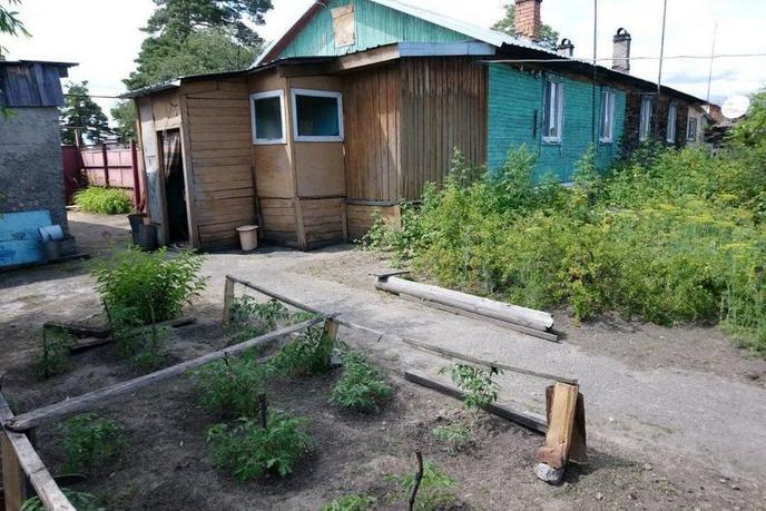 половина частного дома с баней, п. Луговской, по Московскому тракту