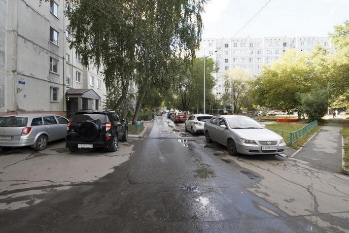 3 комнатная квартира  в 2 микрорайоне, ул. Олимпийская, 45, г. Тюмень