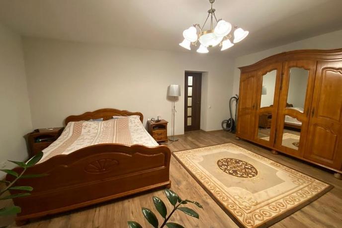 3 комнатная квартира  в районе Московского тр., ул. Молодогвардейцев, 81, г. Тюмень
