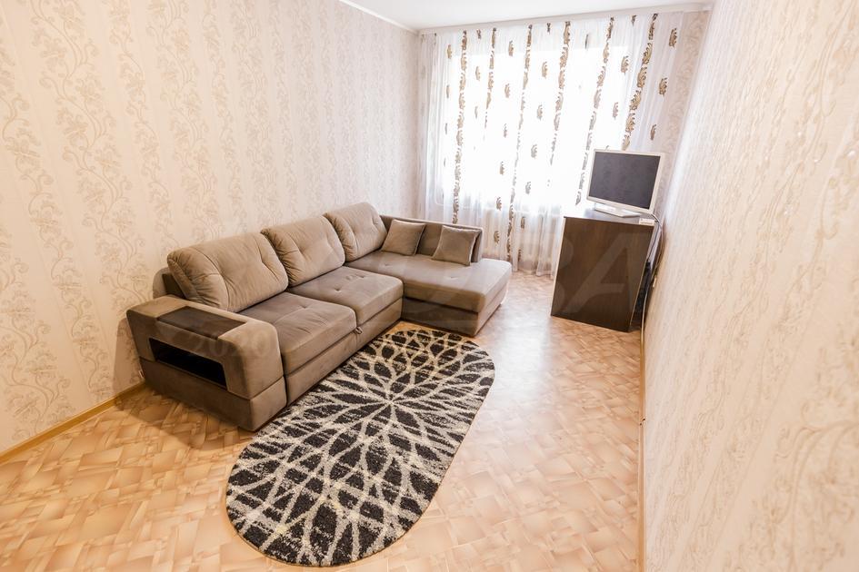 2 комнатная квартира  в районе Югра, ул. Магаданская, 5, г. Тюмень
