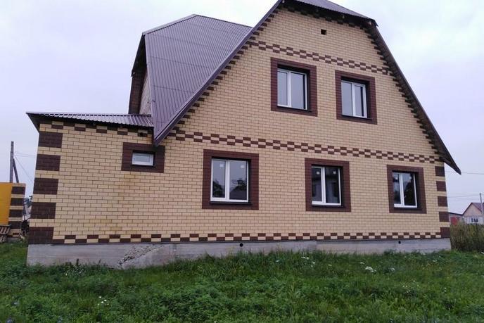 красивый дом с баней, с. Памятное, по Ялуторовскому тракту