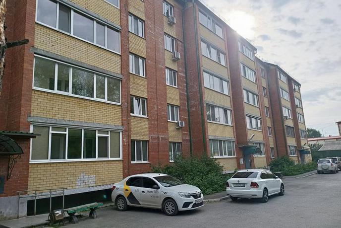 3 комнатная квартира  в районе центральная часть, ул. Островского, 35, п. Боровский
