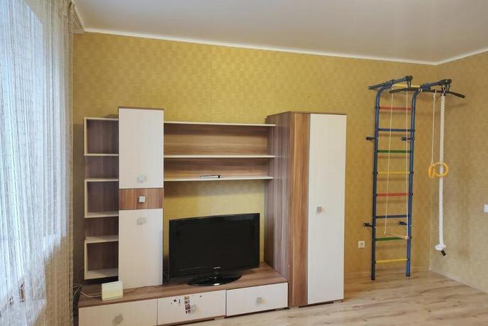 2 комнатная квартира  в Заречном 2 мкрн., ул. Солнечный проезд, 3, г. Тюмень