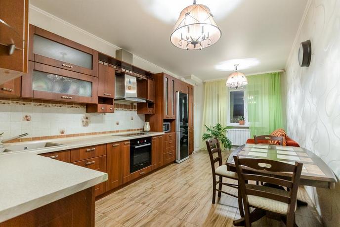 2 комнатная квартира  в районе ул.Малыгина, ул. Холодильная, 138, г. Тюмень