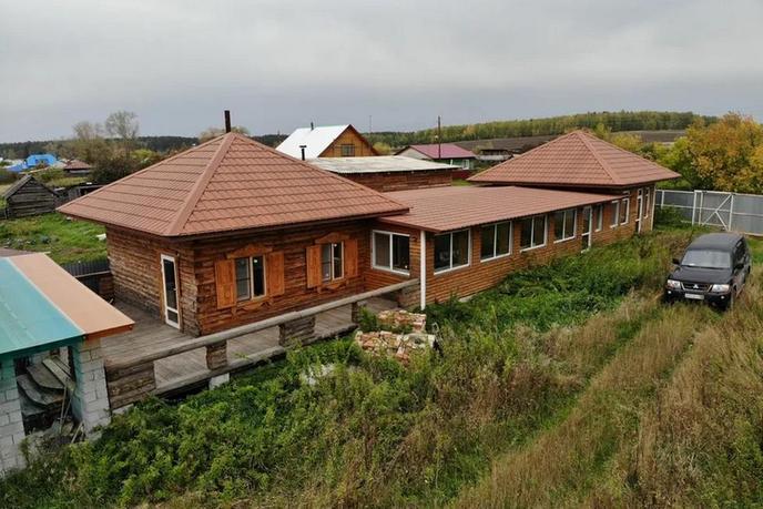 дом у озера с баней, д. Шляпниково, по Червишевскому тракту
