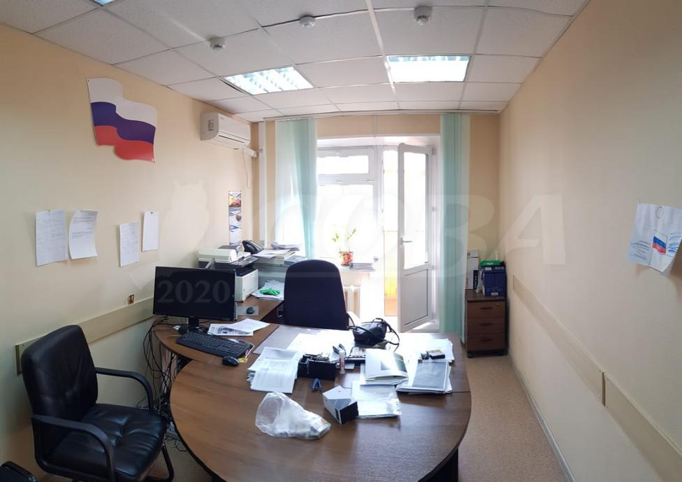 Офисное помещение в жилом доме, аренда, в Заречном мкрн., г. Тюмень