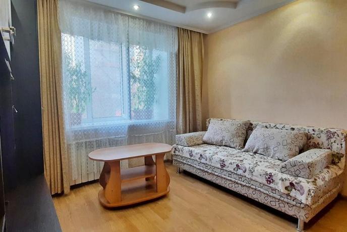 2 комнатная квартира  в 2 микрорайоне, ул. Ткацкий проезд, 8, г. Тюмень