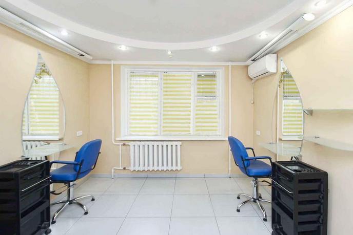 Салоны услуг в жилом доме, продажа, в Тюменском-3 мкрн., г. Тюмень