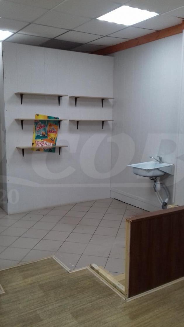 Торговое помещение в торговом центре, аренда, в районе Войновка, г. Тюмень