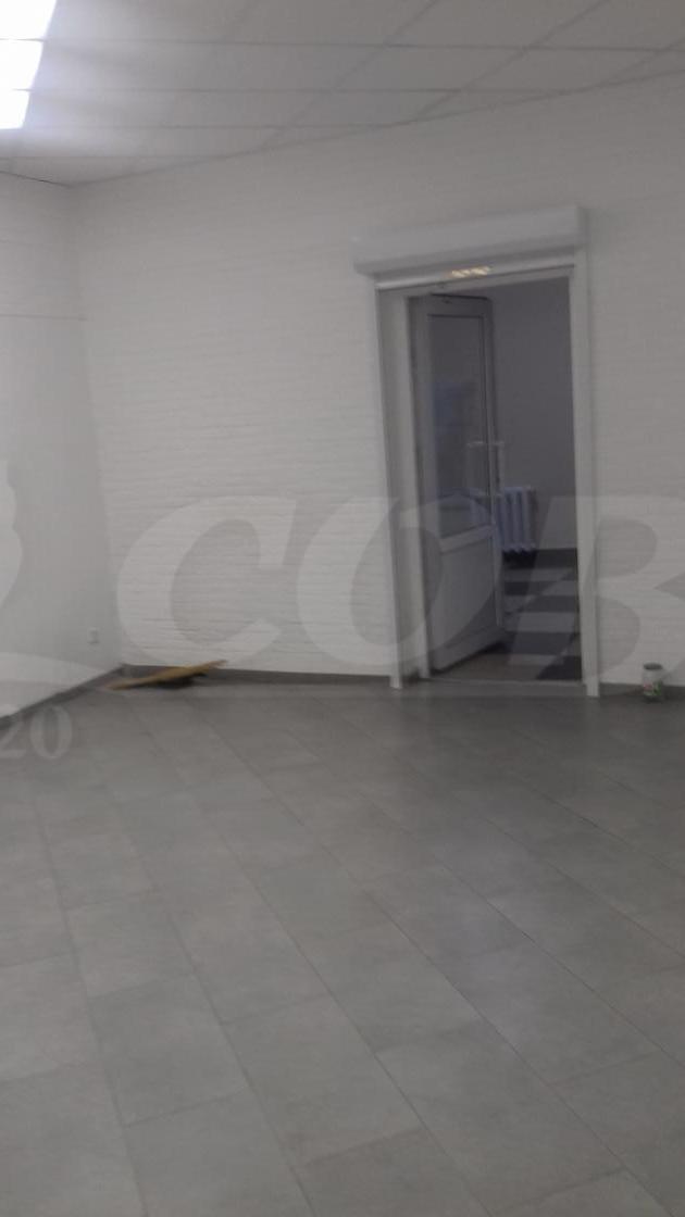 Нежилое помещение в торговом центре, аренда, в районе Войновка, г. Тюмень