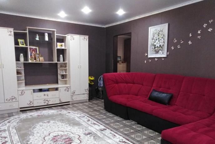 3 комнатная квартира  в районе Защитино, ул. Домостроителей проезд, 1, г. Тобольск