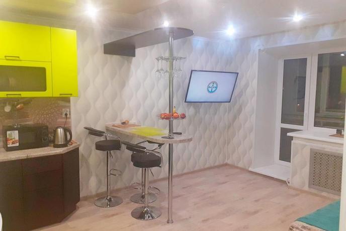 2 комнатная квартира  в районе Иртышский мкр., ул. Иртышский микрорайон, 11, г. Тобольск