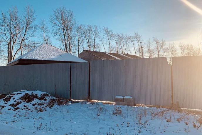 Недостроенный дом с баней, д. Паренкина, в районе Старый тобольский