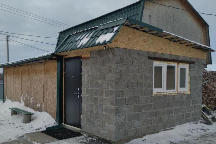 Частный дом с баней, с. Борки, по Тобольскому тракту