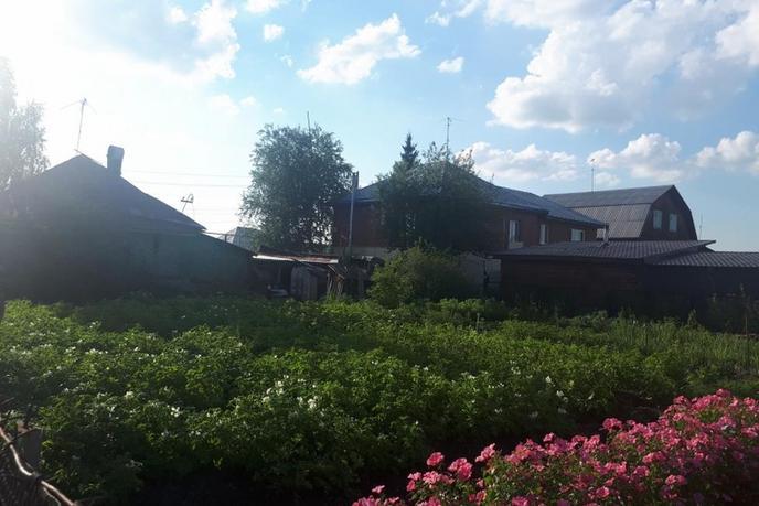 под снос, в районе центральная часть, п. Боровский, по Ялуторовскому тракту