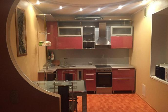 2 комнатная квартира  в районе ТРЦ Вершина, ул. Быстринская, 6, г. Сургут