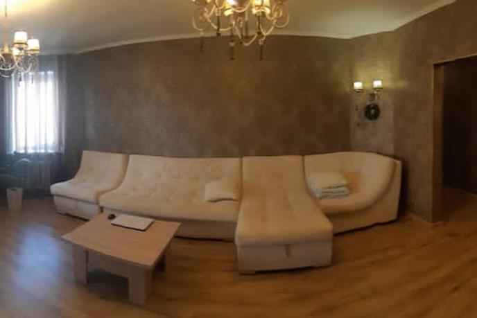 3 комнатная квартира  в районе ПИКС, ул. Привокзальная, 20/1, г. Сургут