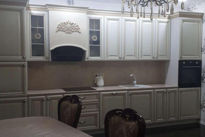 2 комнатная квартира  в районе Александрия, ул. Александра Усольцева, 13, г. Сургут