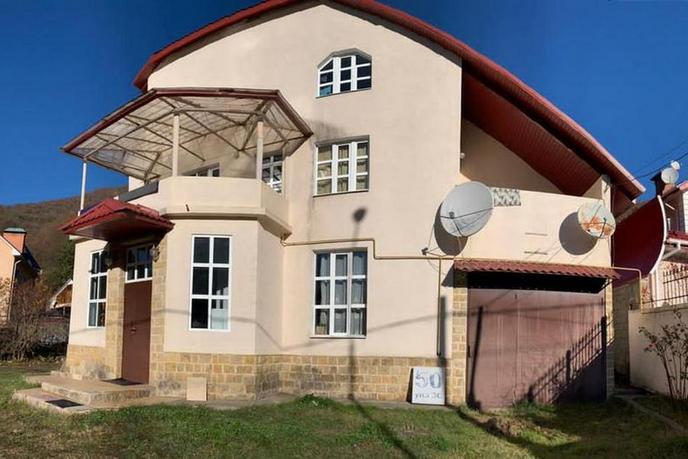Загородный дом с баней, в районе Красная Поляна, г. Сочи