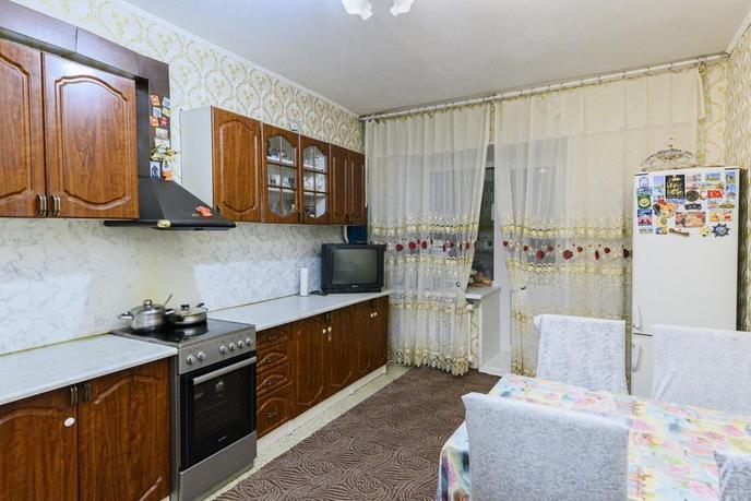 4 комнатная квартира  в районе ТРЦ Союз, ул. Пролетарский Проспект, 5, г. Сургут