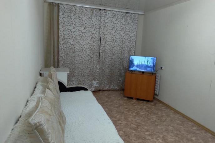1 комнатная квартира  в 2 микрорайоне, ул. 30 лет победы, 126, г. Тюмень