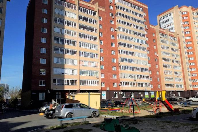 2 комнатная квартира  в районе Дом Обороны, ул. Пролетарская, 109, г. Тюмень