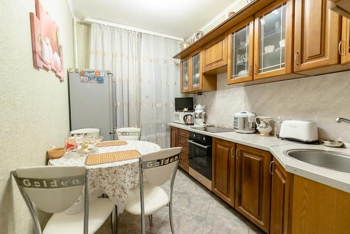 2 комнатная квартира  в Заречном мкрн., ул. Муравленко, 9, г. Тюмень