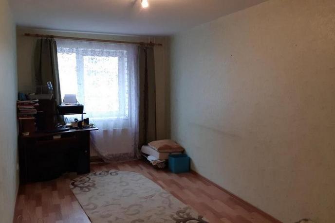 2 комнатная квартира  в 6 микрорайоне, ул. Мельникайте, 127А, г. Тюмень