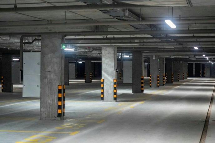 Парковочное место на КПД в районе 50 лет Октября, г. Тюмень,  Паркинг в Квартале «Новин» дом 57В