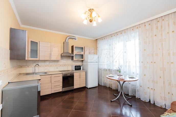4 комнатная квартира  в районе ул.Малыгина, ул. Холодильная, 138, г. Тюмень