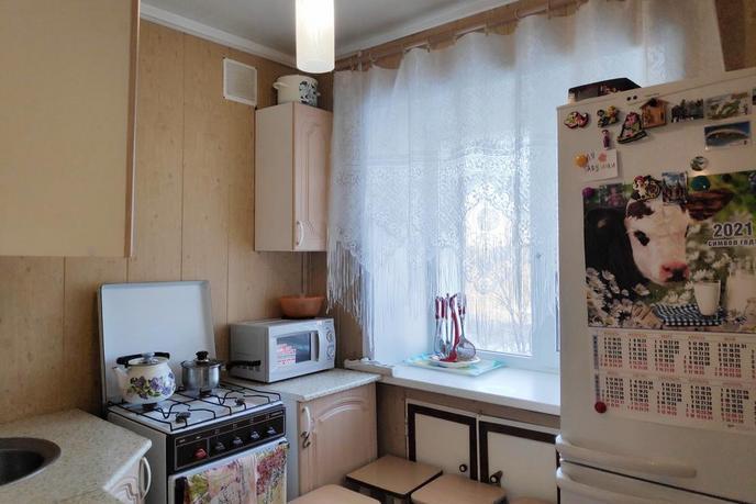 3 комнатная квартира  в районе За ЖД линией, ул. Вокзальная, 68, п. Винзили