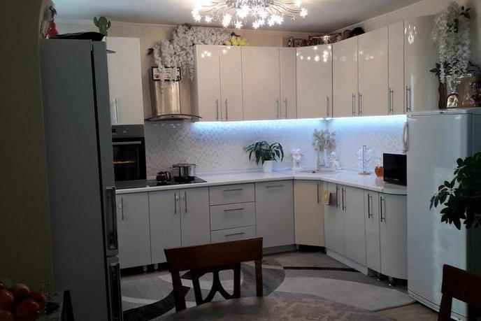 Многокомнатн. квартира  в районе Энергетиков, ул. Энергетиков, 26, г. Сургут
