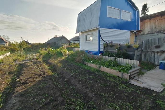 Дом у реки с баней, с. Бизино, по Тобольскому тракту