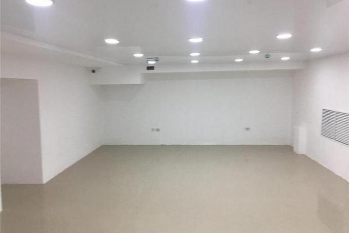 Нежилое помещение в жилом доме, продажа, в Заречном 2 мкрн., г. Тюмень